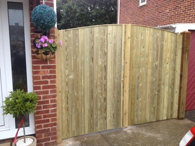 Bristol And Avon Installer Of Timber Wood Fences And